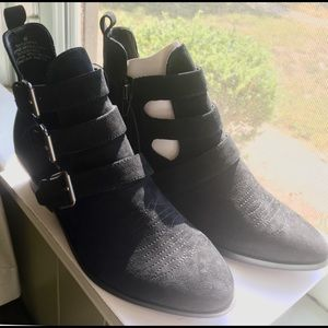 """Universal Thread """"Kelsey"""" Faux Suede Boots 6.5 NIB"""